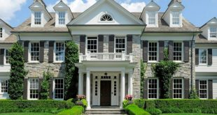 Colonial Mansion In Greenwich, Connecticut