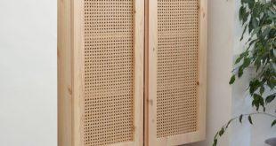 Dieser IKEA Hack verwendet Cane, um einen einfachen Schrank in eine Designschönheit zu verwandeln Hunker