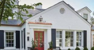 New Exterior Farmhouse Shutters Painted Bricks 23 Ideas